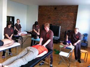 Практика на курсах массажа